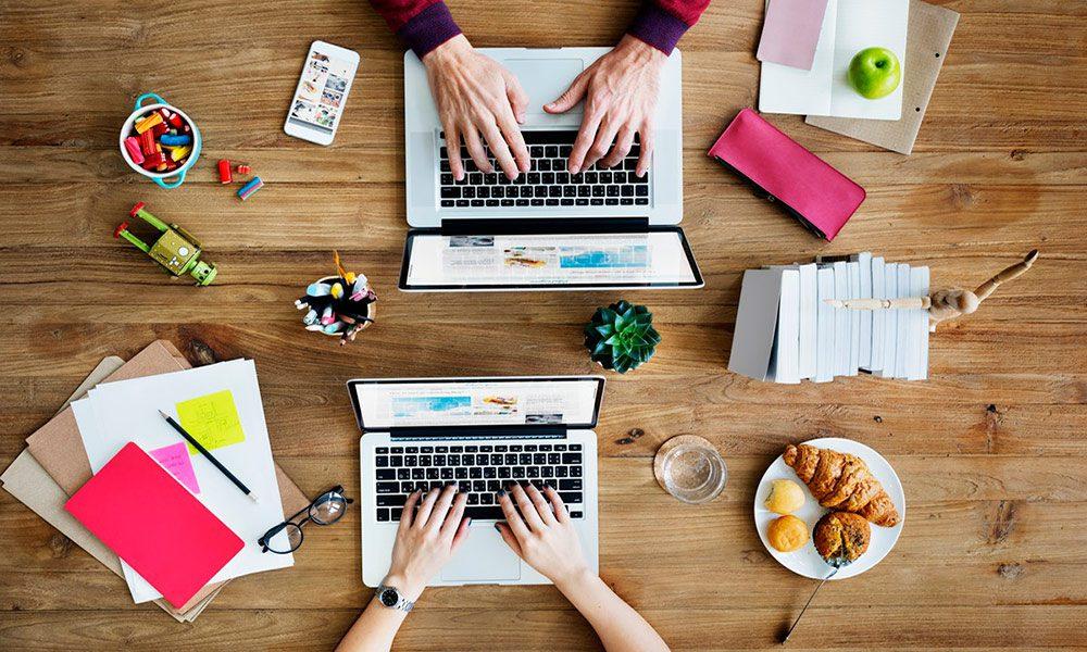 Lee más sobre el artículo #4 Consejeros Blogueros – El Diseño Gráfico en el Blogging – Con Max Cf y Celia Espada