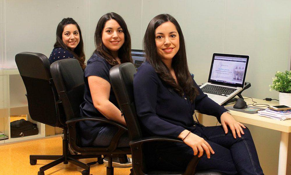 Lee más sobre el artículo #5 Consejeros Blogueros – Freelance + Infoproductos + Facebook Ads = Dinamita Con Laura, Elsa y Maite López